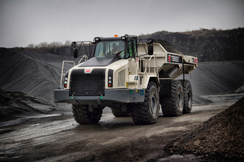 TEREX TRUCKS: ORA ANCHE IN CANADA - Perforare - Canada dealer Manitoba Hitrac Terex Trucks - Uncategorized