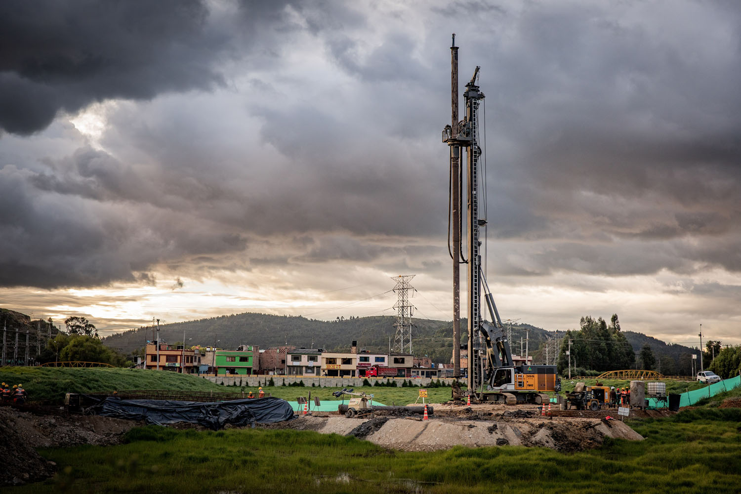 LIEBHERR, IN COLOMBIA - Perforare -  - Uncategorized 2