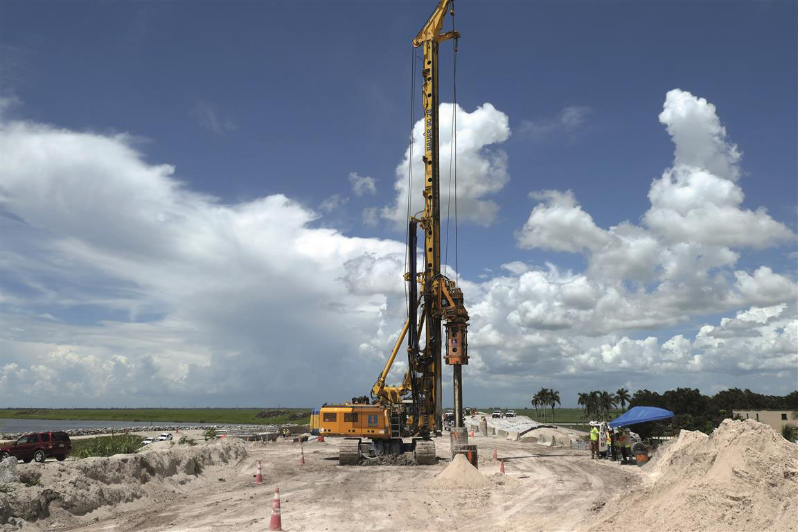 UNA BG 28 BAUER AL LAVORO IN FLORIDA - Perforare -  - Uncategorized