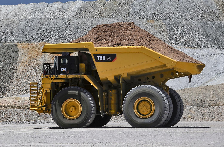 DUMPER: DUE NUOVI CAT - Perforare - Cat 794 AC Cat 796 AC Caterpillar DUMPER - Industria estrattiva-mineraria Macchinari per cave News