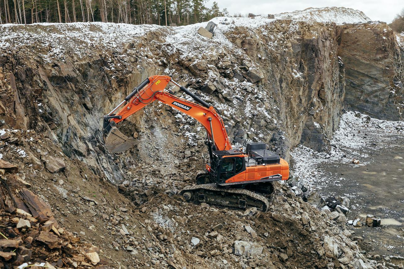 NUOVI ESCAVATORI DOOSAN, TECNOLOGIA SUPERIORE NELLA CATEGORIA 50 TON - Perforare -  - Industria estrattiva-mineraria Movimento terra News